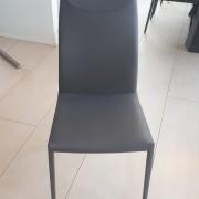 4. Krzeslo Maya CattelanItalia
